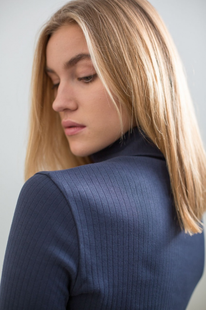 Rib Roll Neck - Mood Indigo